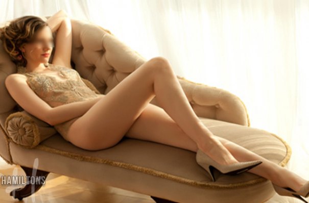 Camilla Central London escort