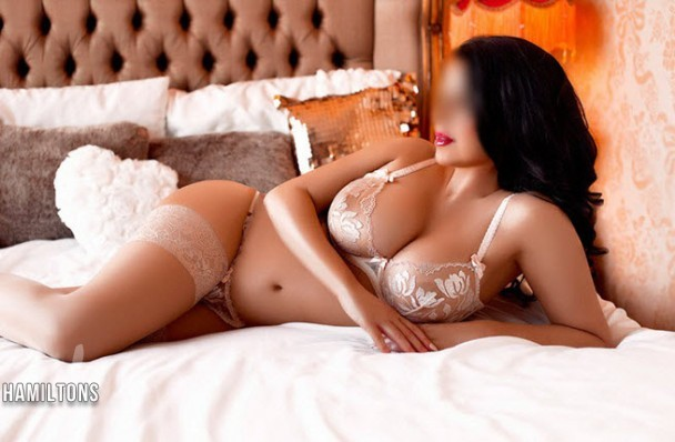 Dating London Escorts English Grace in Kensington