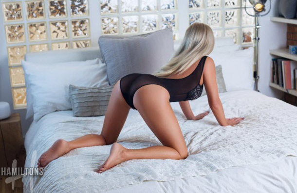 English Mature London Escorts Lara at Hamiltons