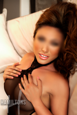 Yasmin English escort Victoria
