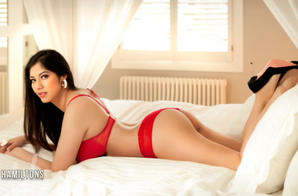 Busty Escorts Zara Paddington escorts